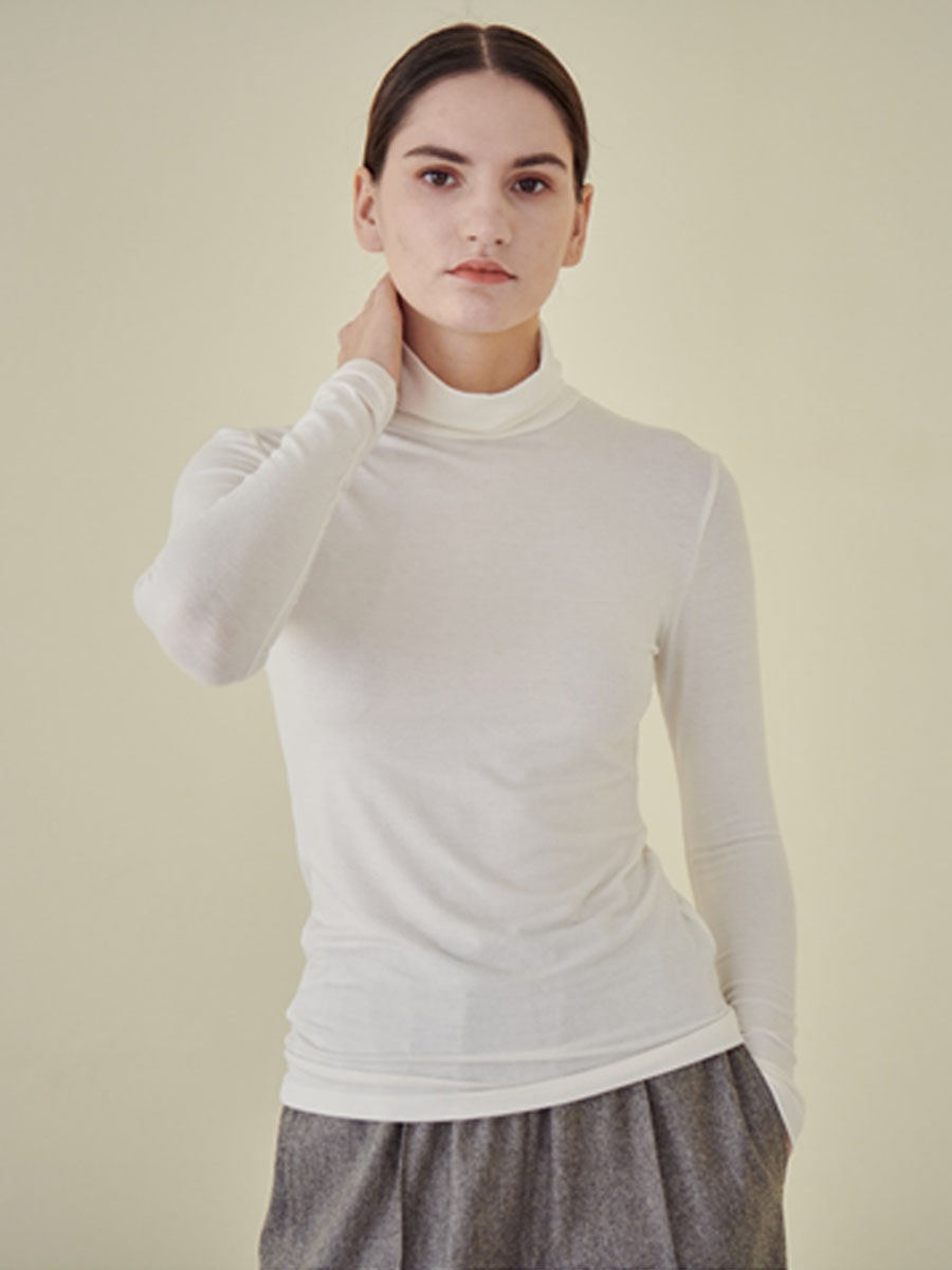 FLUFFY TURTLE NECK T-SHIRT_IVORY [30% SALE]